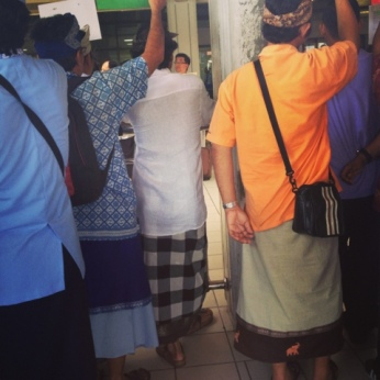 Drivers waiting in their sarongs